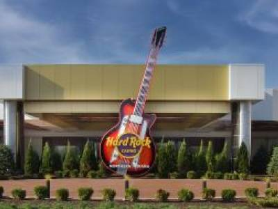 Hard Rock Casino Northern Indiana Opens with Staff of 1,200 and InvoTech Systems for Reliable RFID Uniform Management